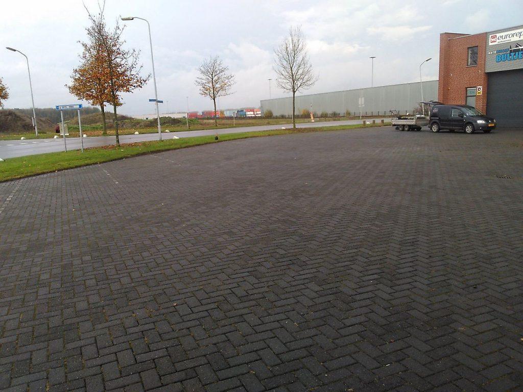 Deze afbeelding heeft een leeg alt-attribuut; de bestandsnaam is Veegservice-Twente.4-1024x768.jpg