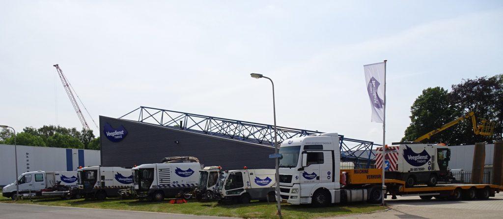 Deze afbeelding heeft een leeg alt-attribuut; de bestandsnaam is Veegdienst-Twente.107-1024x445.jpg