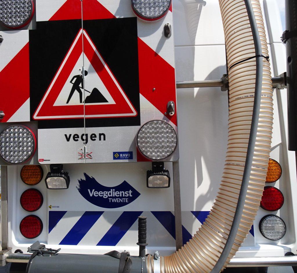 Deze afbeelding heeft een leeg alt-attribuut; de bestandsnaam is Veegdienst-Twente.116-1024x941.jpg